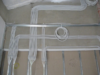 Штробление и разводка электрики в доме